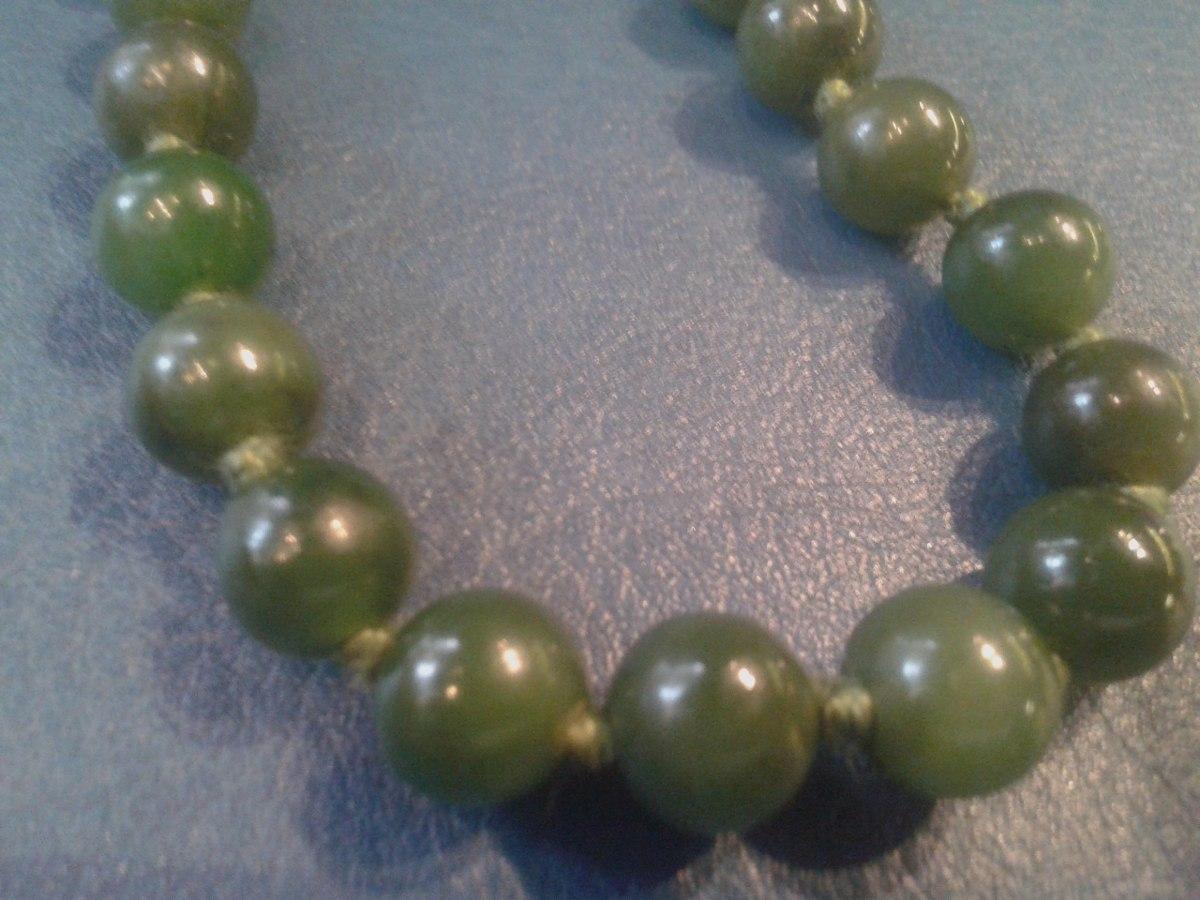5e03a97d6d25 antiguo collar de perlas 5 mm piedra jade anudado 45 cm. Cargando zoom.