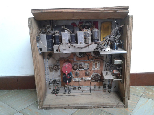 antiguo contador de frecuencias.marca rca..no funciona..50s