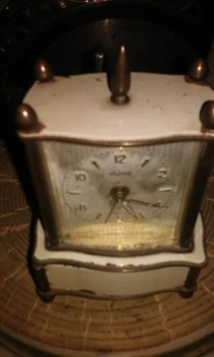 antiguo despertador kaiser con caja musical (el pasado)