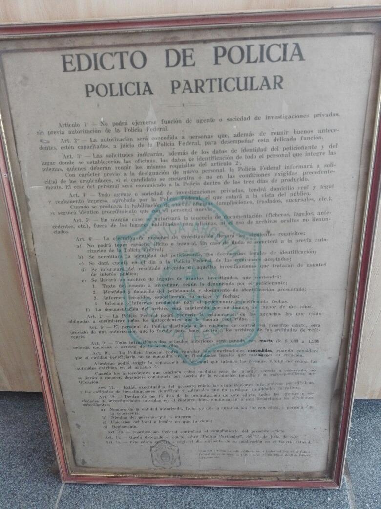 Antiguo Edicto Policia Marco Madera Original - $ 1.500,00 en Mercado ...