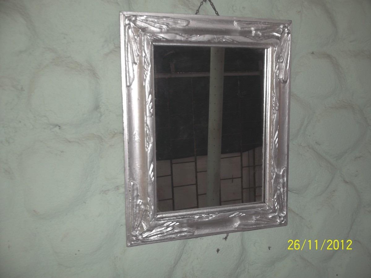 Antiguo espejo c marco de madera y yeso pintado de for Espejos con marco plateado