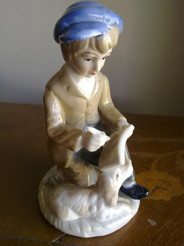 antiguo estudiante porcelana policroma esmaltada alto brillo