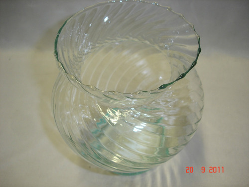 antiguo excelente florero en vidrio trabajado miri (3666)