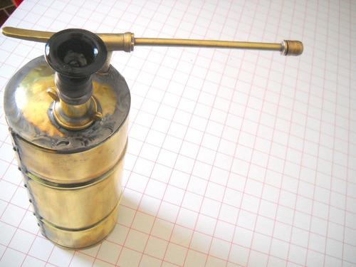 antiguo fumigador de bronce para decoración