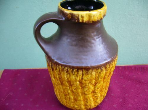 antiguo jarron ceramico con asa