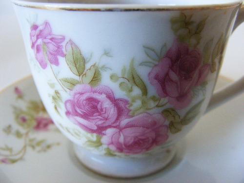 antiguo juego 4 tazas y platillos de porcelana japón ocupado