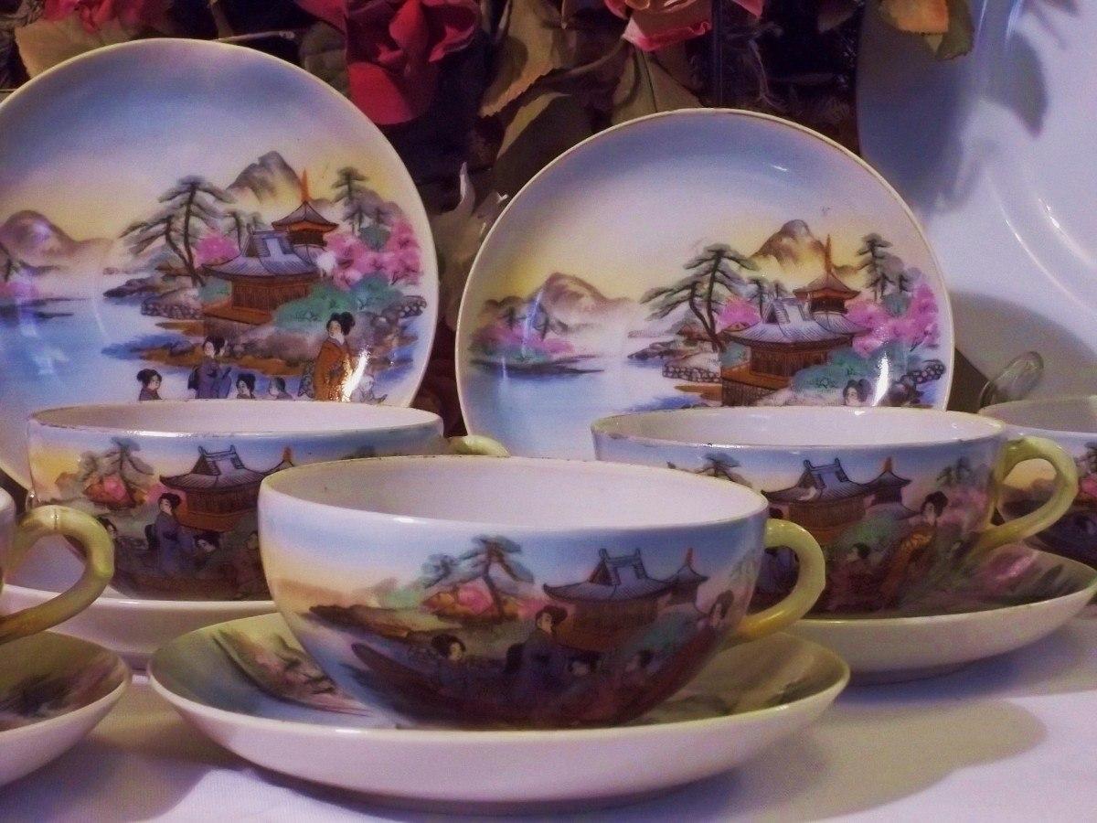 Antiguo juego de tazas de porcelana sellado a o 1900 for Tazas de porcelana