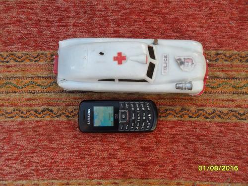 antiguo juguete auto ambulancia policía plástico con detalle