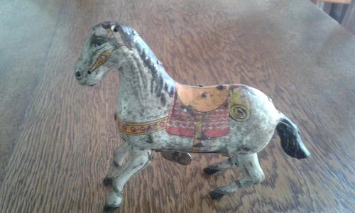 antiguo juguete cuerda