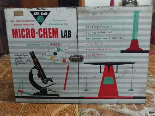 antiguo kit de laboratorio y microscopio micro-chem lab
