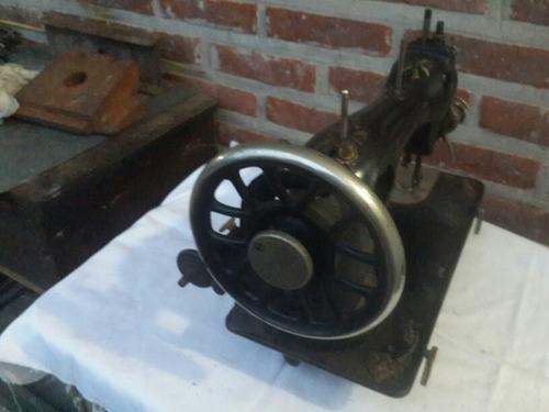 antiguo máquina coser