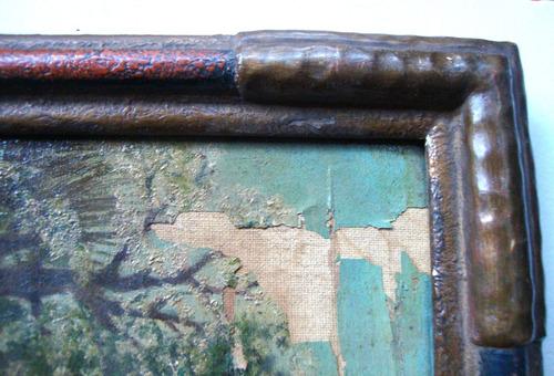 antiguo marco de madera patinado en distintos tonos ocre