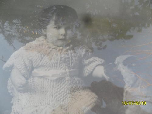antiguo marco retraro cuadro foto niña bebe con perro