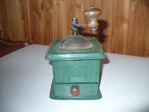 antiguo molinillo de cafe zassenhaus