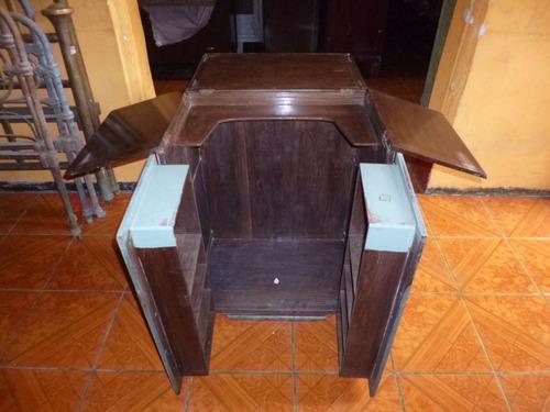 antiguo mueble de cedro
