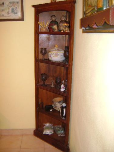 antiguo mueble esquinero en cerejeira