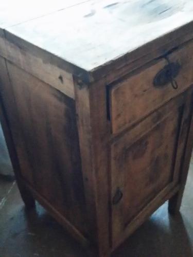 antiguo mueble velador mini alacena (concepción)