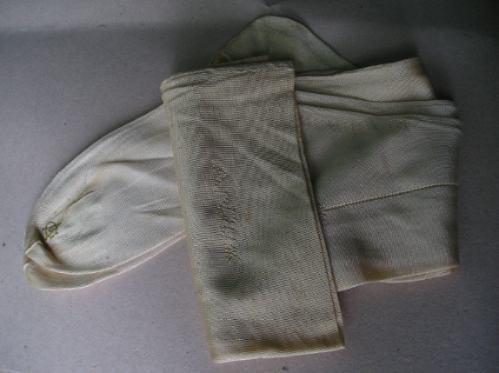 antiguo par de medias de dama con caja