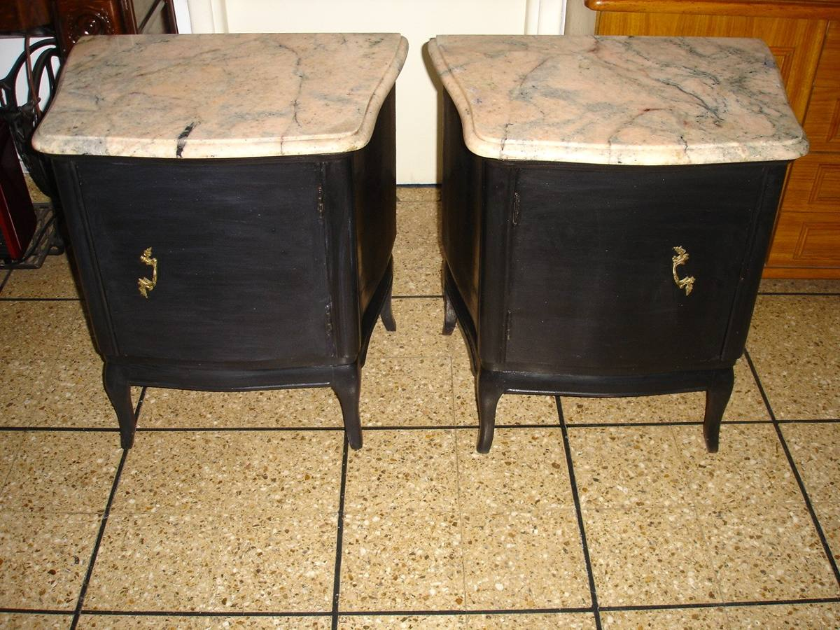 antiguo par de mesas de luz negras marmol rosa veteado impec