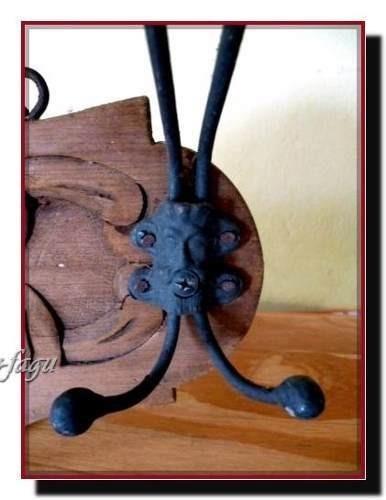antiguo perchero roble y hierro muy trabajado impecable