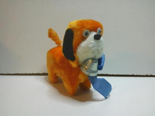 antiguo perro a cuerda