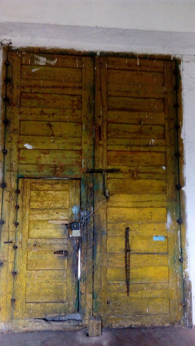 antiguo porton o saguan de madera 35 en mercado