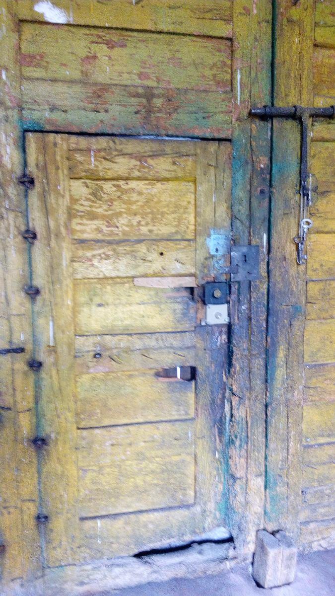 Antiguo porton o saguan de madera 35 en mercado - Baules antiguos de madera ...