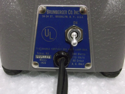 antiguo proyector de diapositivas brumberger