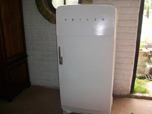 antiguo refrigerador americano, marca philco, funcionando