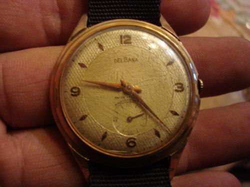 antiguo reloj delbana funcionando perfecto.
