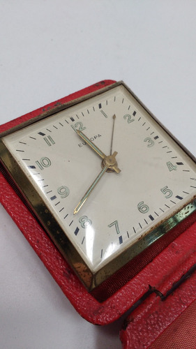 antiguo reloj despertador