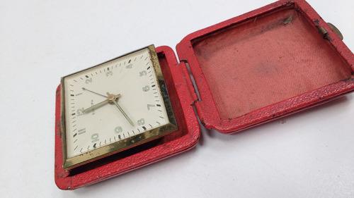 antiguo reloj despertador de viaje europa