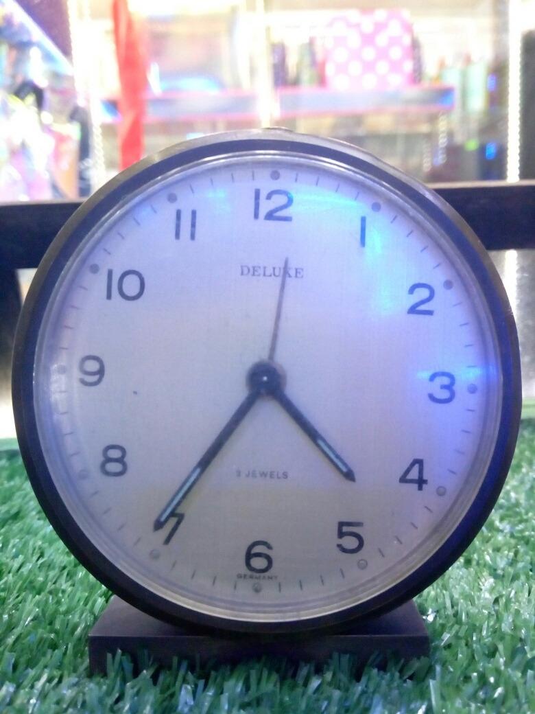 00533a5547bd antiguo reloj en bronce a cuerda con despertador. Cargando zoom.