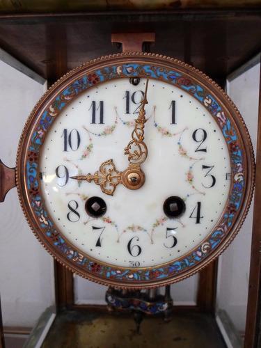 antiguo reloj mesa