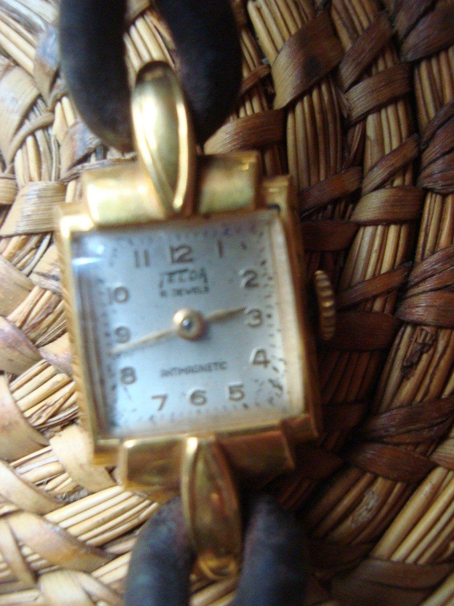 8c0cbe8ec5f1 antiguo reloj pulsera de mujer funciona enchapado en oro. Cargando zoom.