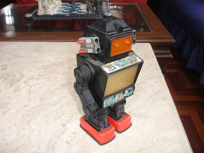 antiguo robot años 70-80