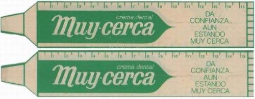 antiguo señalador crema dental muy cerca