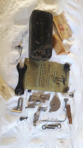 antiguo set adaptador para bordar en maquina de coser