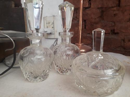 antiguo set perfumero y talco cristal tallado