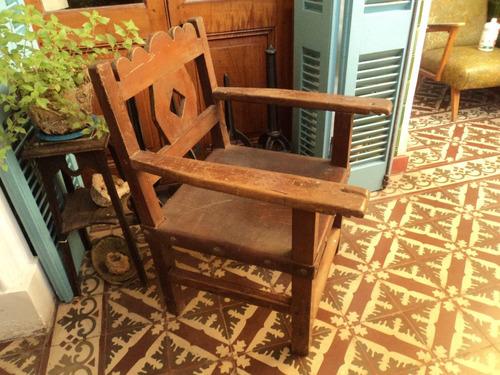 antiguo sillon de campo criollo madera monte cuero colonial
