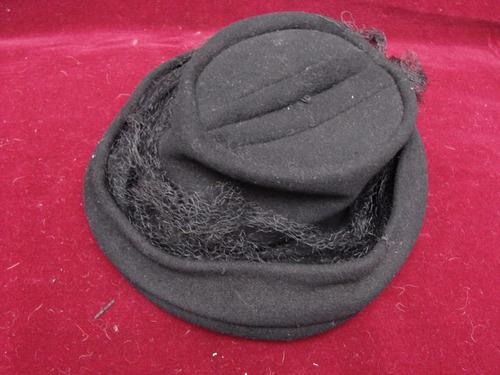 antiguo sombrero de mujer de la década del 50
