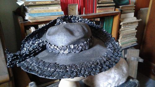 antiguo sombrero rafia negro