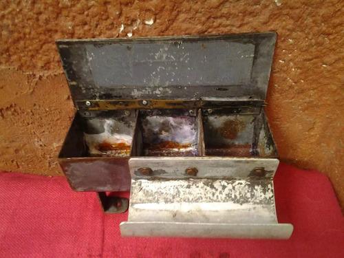 antiguo soporte de boletera y guarda monedas