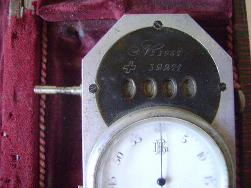 antiguo tacómetro manual suizo con estuche