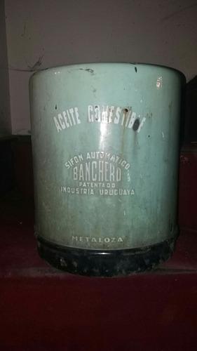 antiguo tanque de sifón de aceite banchero