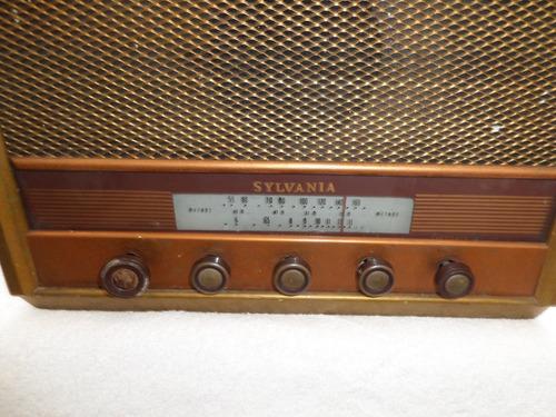 antiguo toca discos sylvania en madera vintage