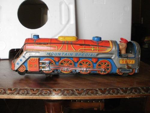 antiguo tren de lata.