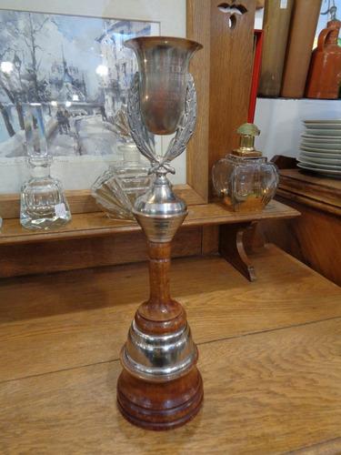 antiguo trofeo de golf del club palihue en bahía blanca