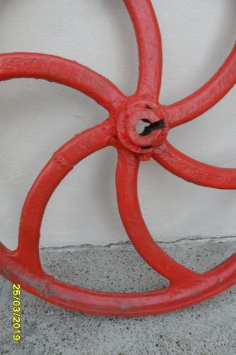 antiguo volante polea hierro no rueda máquina agrícola