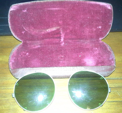 antiguos anteojos sin patillas